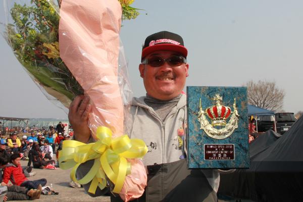 琵琶湖オープン第1戦にて、準優勝の選手のルアーがHPシャッドテール3.1″でした!!