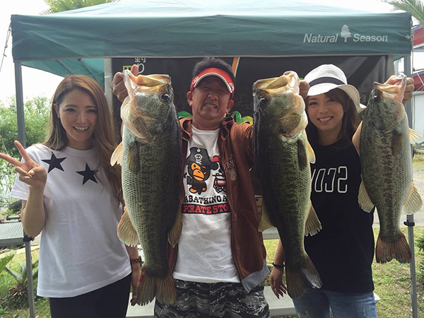 琵琶湖で開催されたアミティエトーナメントでドライブクロー4″がウイニングルアーになりました!!