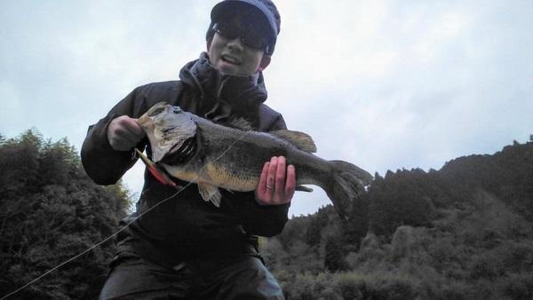 1/13(水)広島県弥栄ダムにてルドラ130Fを駆使し太田 孝二朗様が62.5cmのスーパービッグフィッシュをキャッチされました!!
