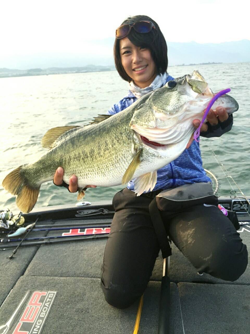琵琶湖にてドライブカーリーで3,500gのロクマルがキャッチされました!