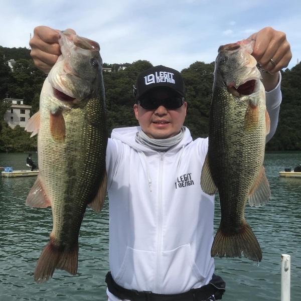 10/18(日)神奈川県相模湖の日相園ボート様にて開催されたレジットデザインオーナーズミーティングで山上尚輝様がジグ03ハンツストロング11g+ドライブシャッド3.5″を駆使し、3本3,220gで山上様が見事優勝されました。
