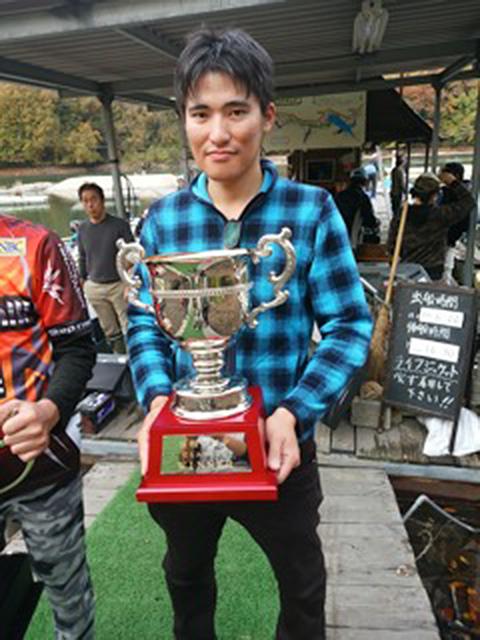 相模湖にて開催された日相クラシックで優勝した佐伯選手のウイニングルアーがO.S.Pルアーでした!